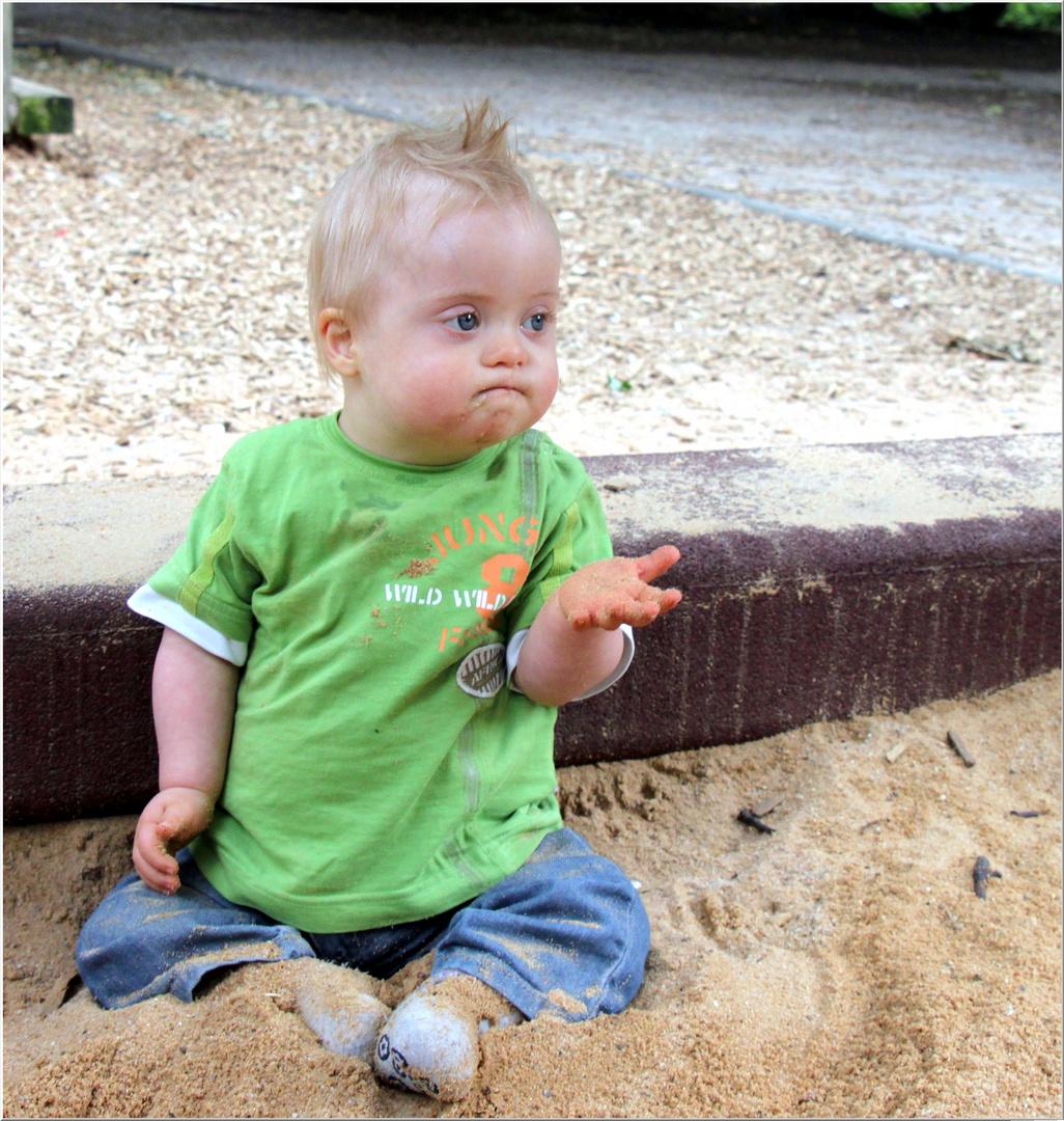 Na, Sand schmeckt gut...