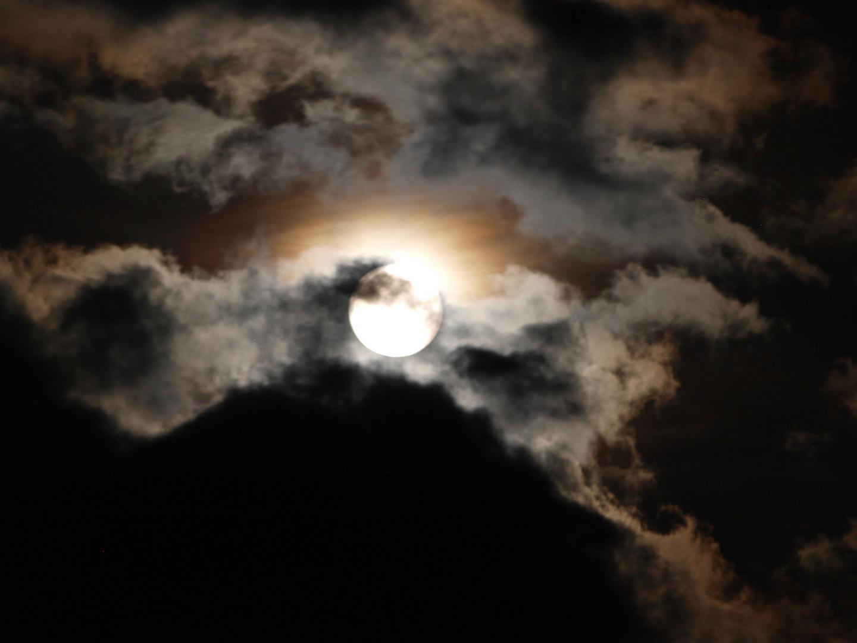 Nach der Mondfinsternis die Geisterstunde....