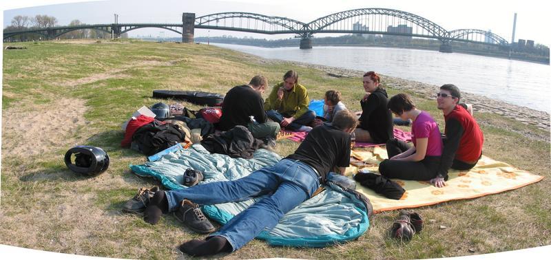 Nachmittags am Rhein