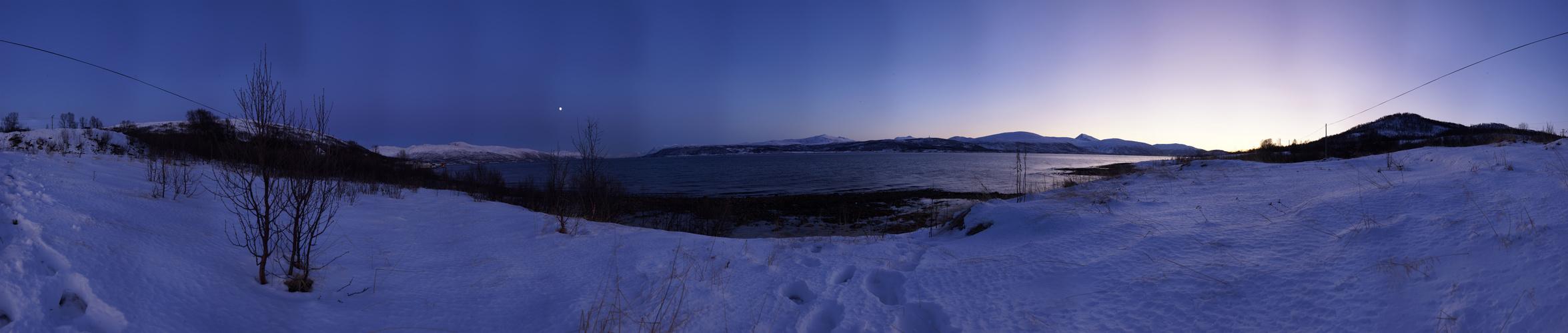 Nachmittagsdämmerung in Nord Norwegen