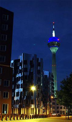.:: Nacht in Düsseldorf ::.