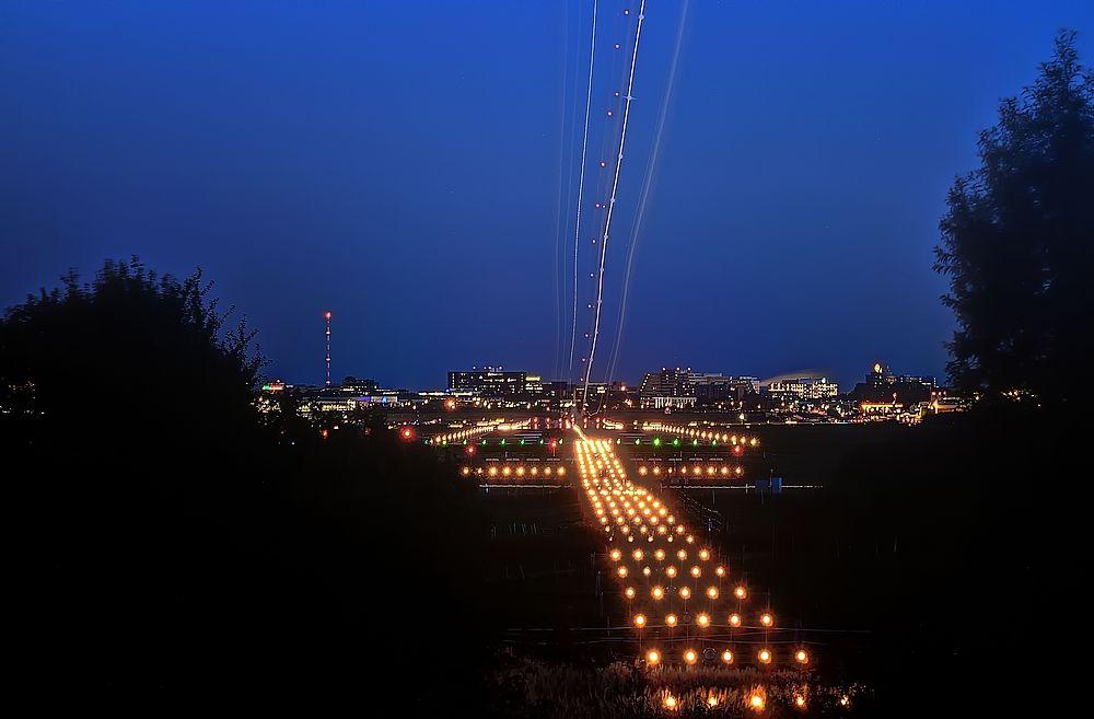 # Nacht Landung #