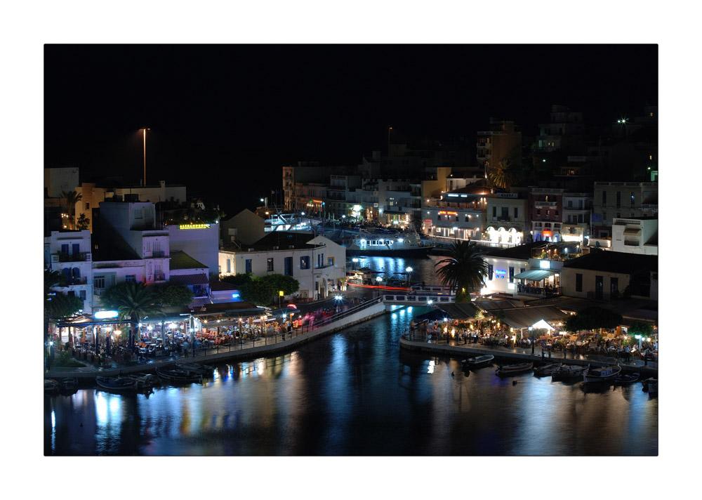 *Nacht über Agios*