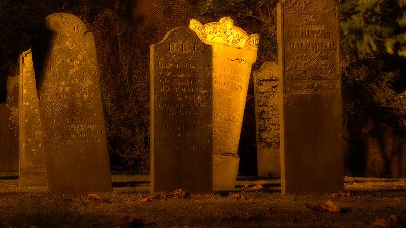 Nacht-und-Nebel-Friedhofsausflug #3