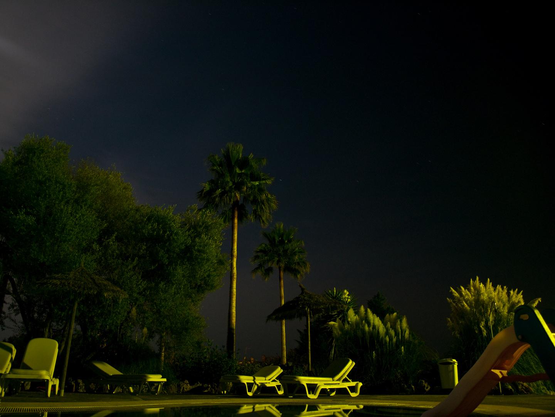 Nachtaufnahme am Pool auf der Finca