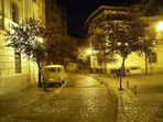 Nachtaufnahme in der Calle Paris von Santiago de Chile