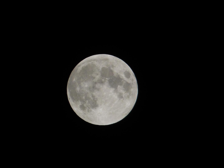 Nachtaufnahme Mond
