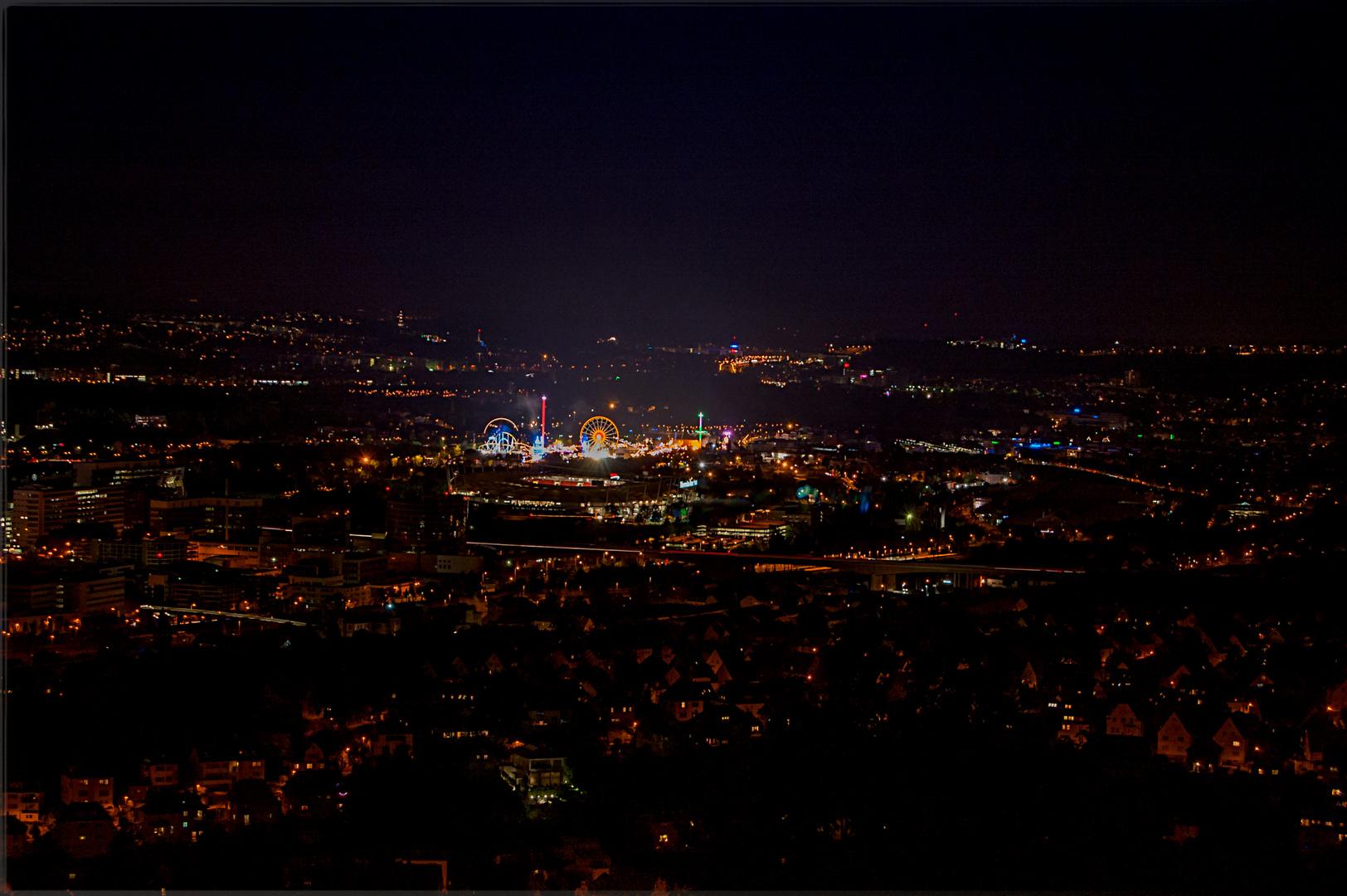 Nachtaufnahme von Stuttgart während dem Volksfest - Frühlingsfest 2014