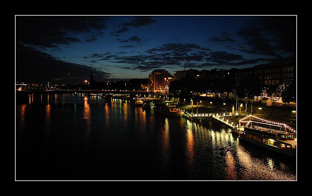 Nachtblick auf die Weser