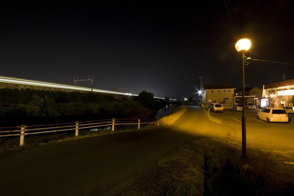 Nachtdurchfahrt des Shinkanzen