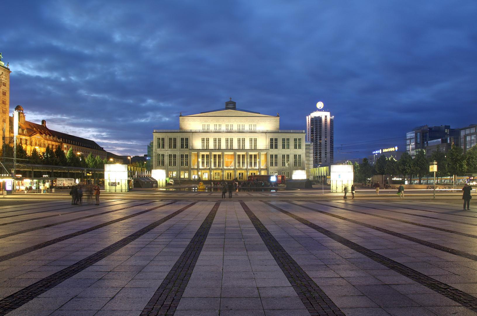 Nachtleben auf dem Augustusplatz in Leipzig
