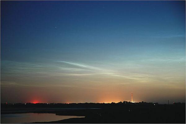 Nachtleuchtende Wolken über Wilhelmshaven