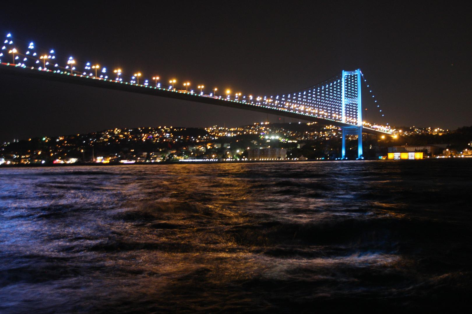 Nachts am Bosporus