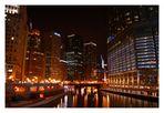 Nachts am Chicago River