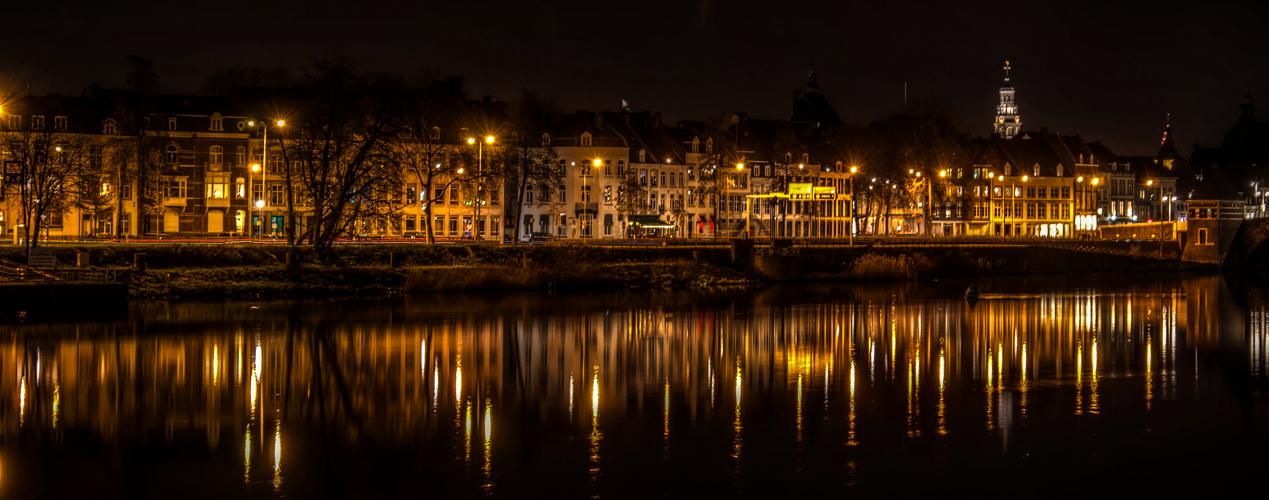 Nachts am Maasufer !