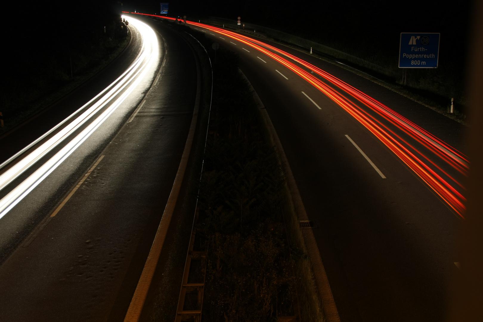 Nachts auf der Autobahn