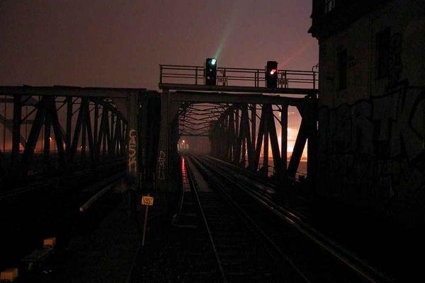 Nachts auf der Spreebrücke
