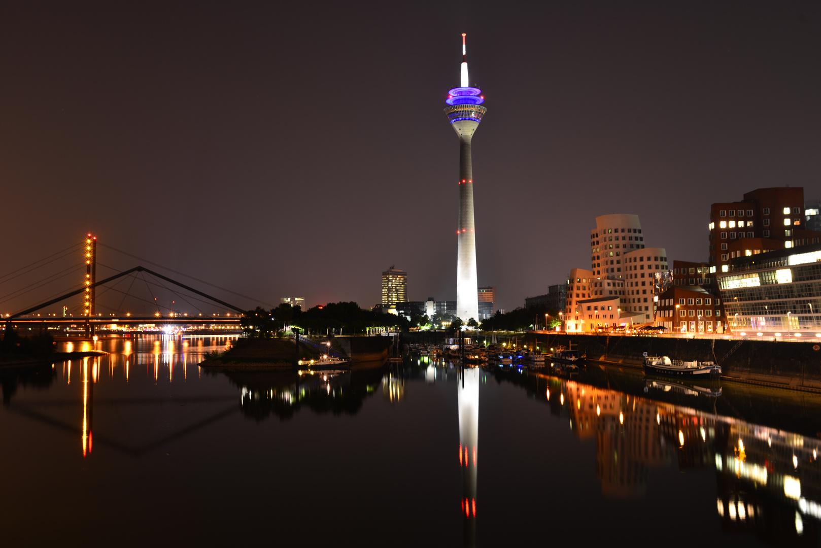 ...nachts im Hafen