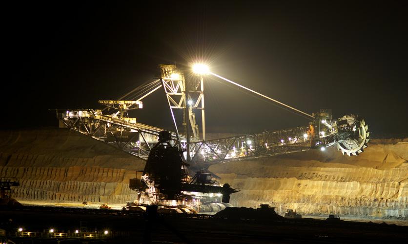 Nachts im Tagebau Nochten
