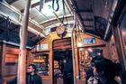 Nachts in der Cable Car von San Francisco