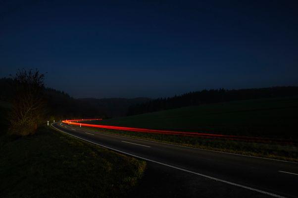 Nachts in der Kurve