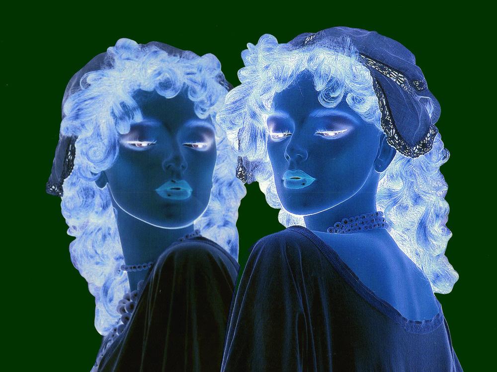 Nachts sind alle Puppen blau!