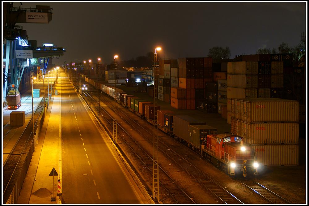 Nachtschicht im Mannheimer Hafen