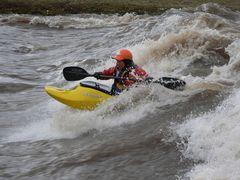 Nadine reitet die Welle
