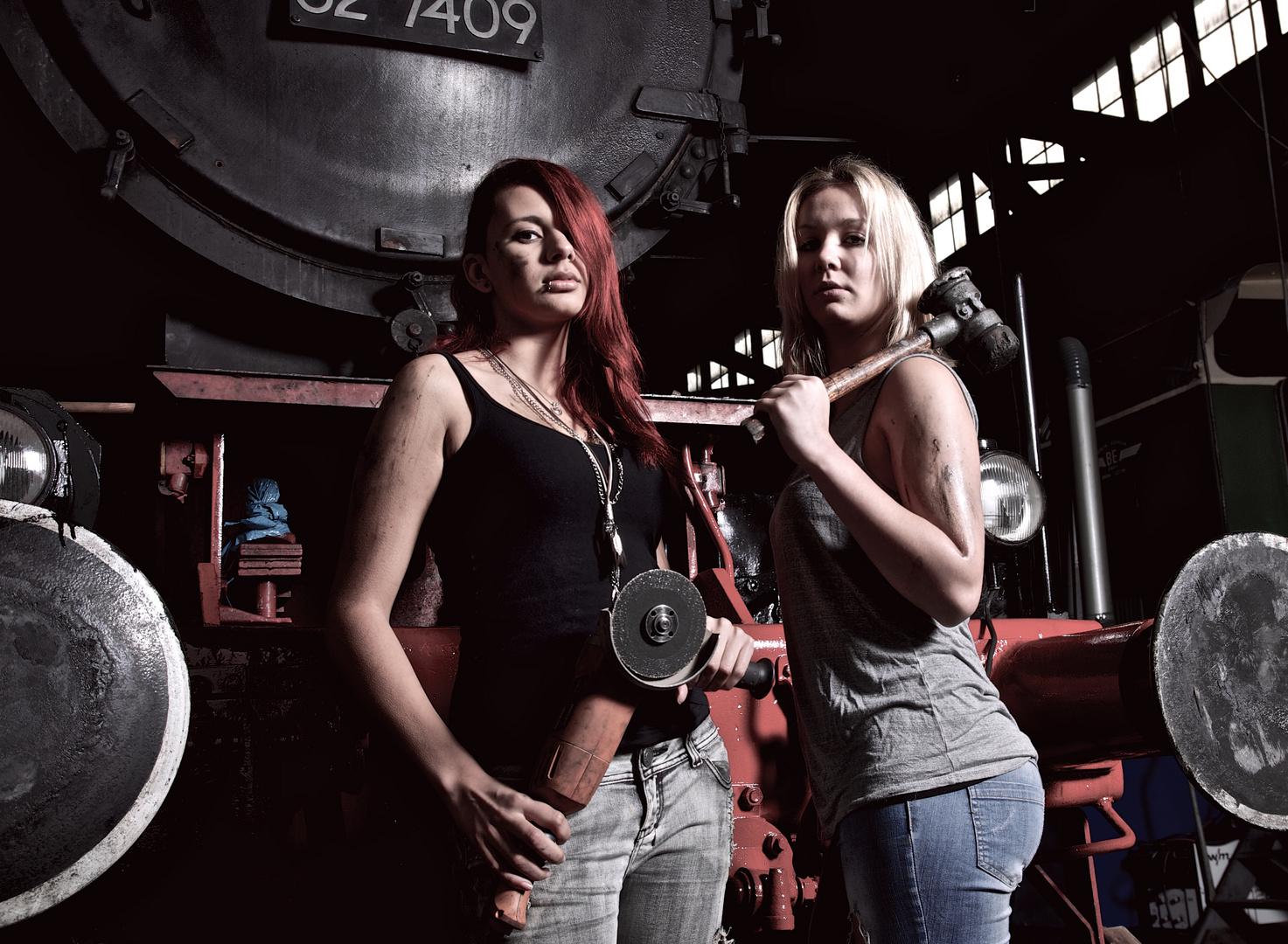 Nadine und Christina im Lokschuppen in Würzburg
