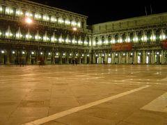 Nächtliche Piazza