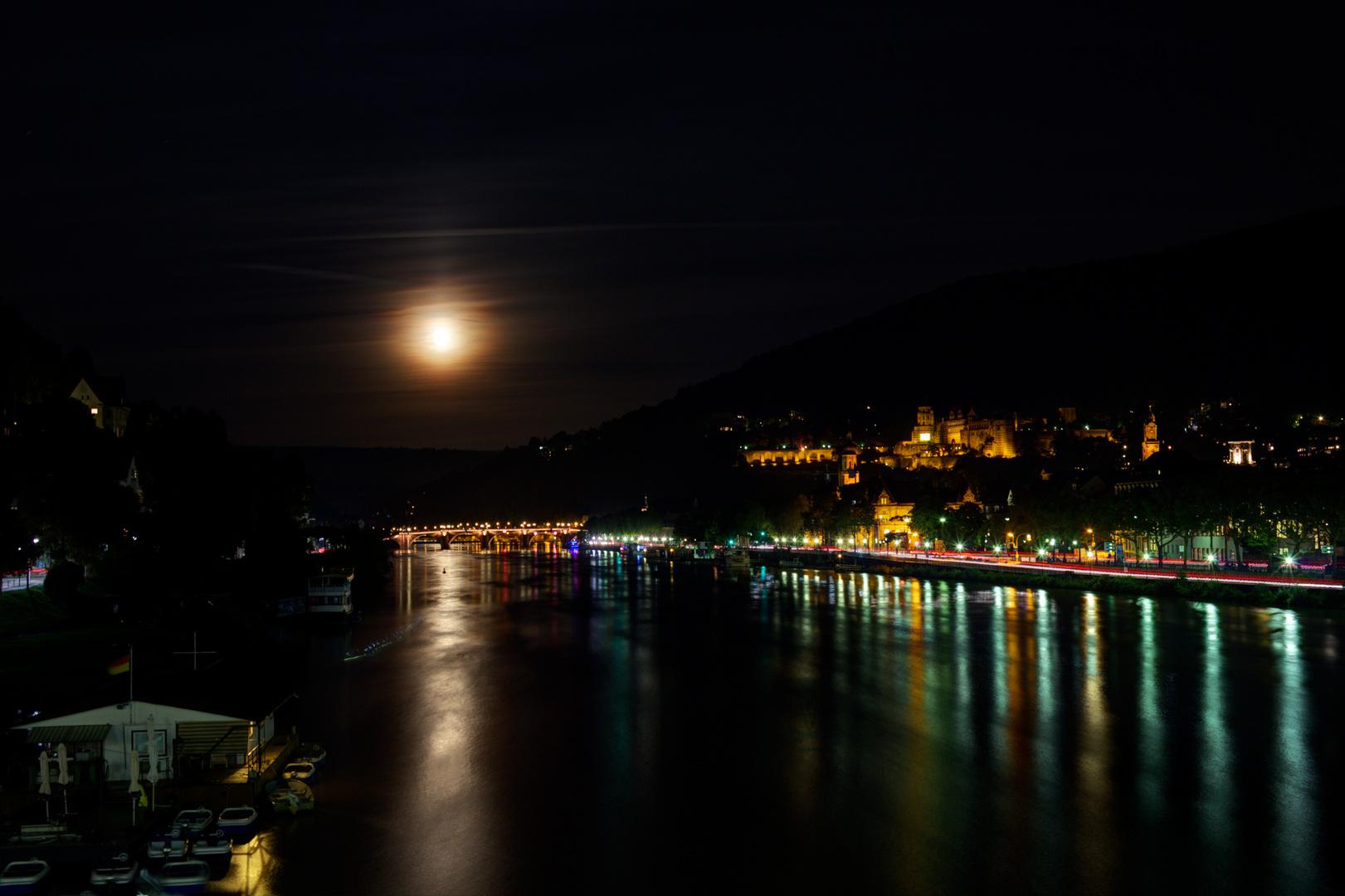 Nächtlicher Blick auf Heidelberg