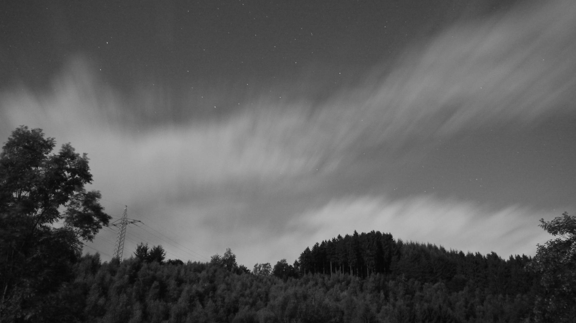 Nächtliches Wolkenschauspiel