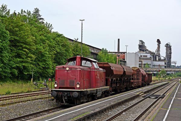 Nahgüterzug mit alter Diesellok in der Oberpfalz 3