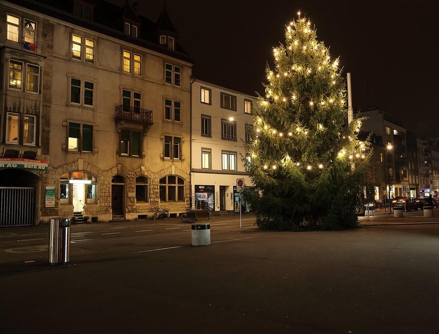 NaJa,en Wiehnachtsbaum,Chrischtbaum oder so im Gundeli