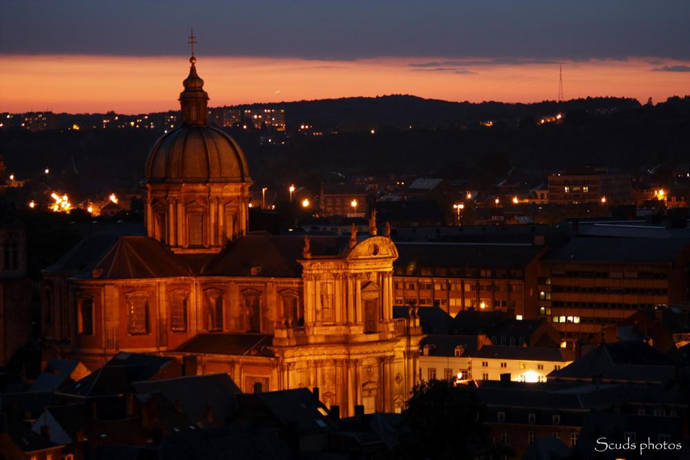 Namur et sa cathédrale la nuit