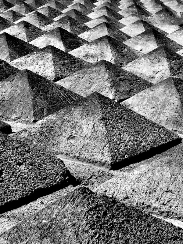 [Napoli] Piramidi Napoletane