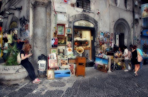 Napoli / Via Santa Chiara