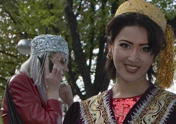 Nargiz , a genuine Usbek-Girl