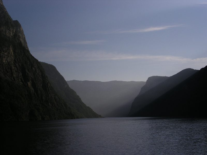 Naroyfjord...um 0800 Uhr