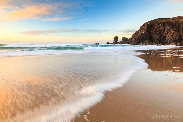 Nasser Sand und Wellen auf der Isle of Lewis