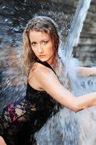 Nata am Wasserfall (2)