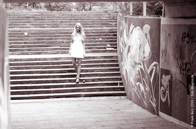 Natalie / Graffiti 2