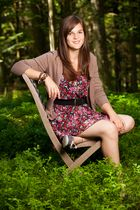 Nathalie im Wald .. .. ..