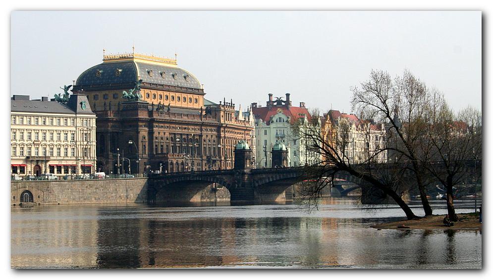 Nationaltheater an der Moldau