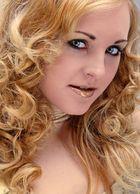 Natly: Golden-Girl