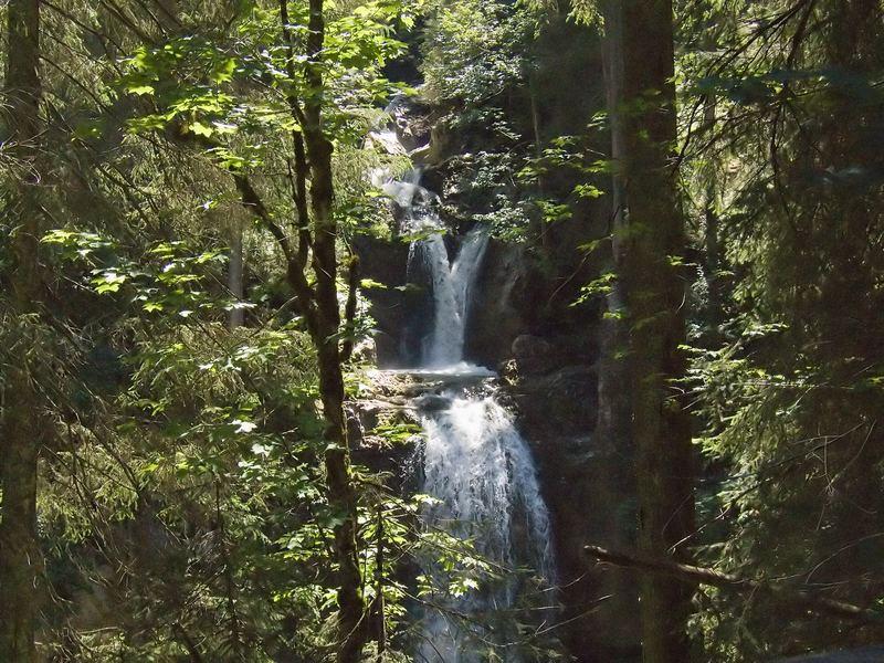 Naturbrücke - Wasserfall 2