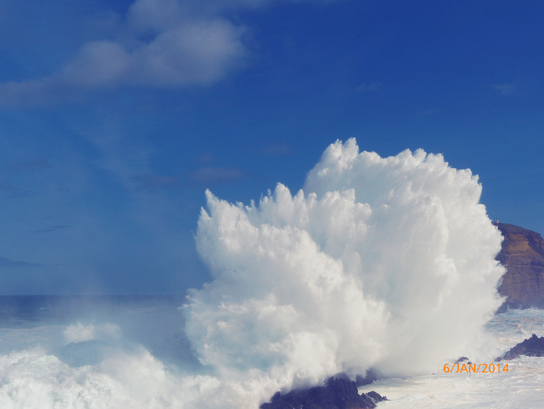 Naturereignis Mega Explosion einer Welle