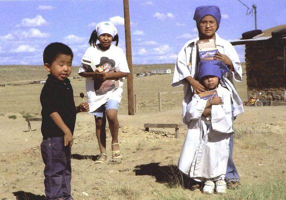 Navajo kids , Chaco Canyon , New Mexico