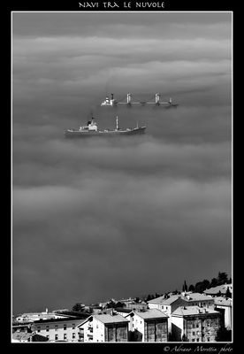 navi tra le nuvole