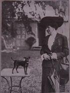 Ne feine Dame mit süssem Hündchen um 1912